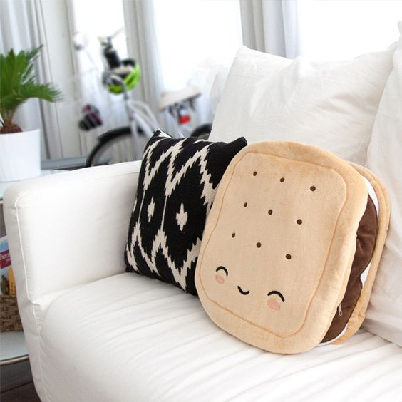 Great gift! S'mores Heated Pillow | thethumbprint.com